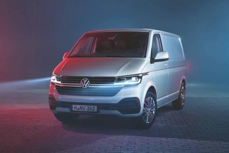 El Volkswagen Transporter 6.1 se llena de tecnología e incluso estrena una variante eléctrica