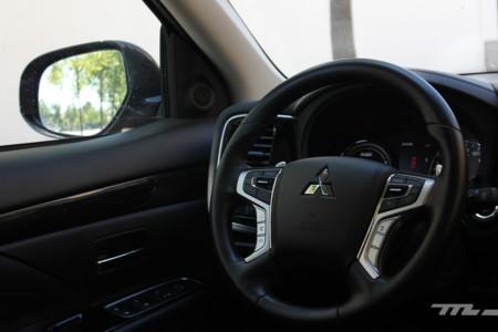 Mitsubishi Outlander Phev 305
