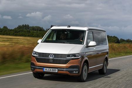 Así es la renovada Volkswagen California 6.1, una camper más equipada y con interior digital en opción