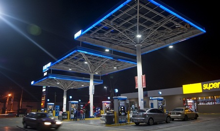 Por fin el Gobierno prohíbe a las petroleras recomendar precios a las gasolineras
