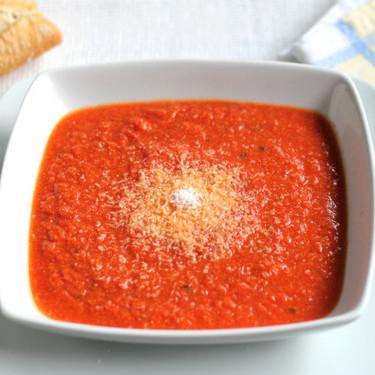 Receta de sopa picantita de tomate, jengibre y coco, la mejor receta para entrar en calor