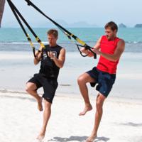 Entrena en la playa con TRX: un entrenamiento para mantenerte en forma