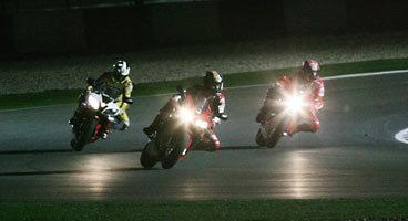 Los pilotos dan el visto bueno a la carrera nocturna en Qatar