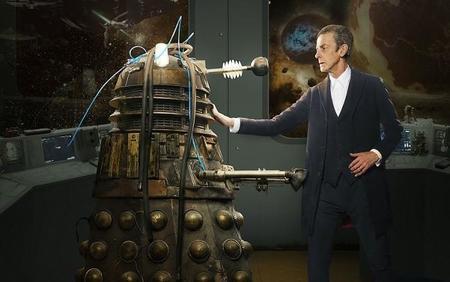 Peter Capaldi con el Dalek