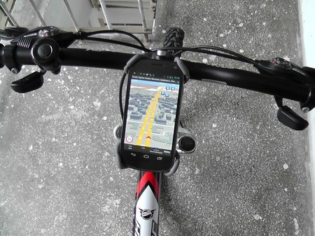 Conviérte tu smartphone en la computadora de navegación de tu bicicleta con este tutorial