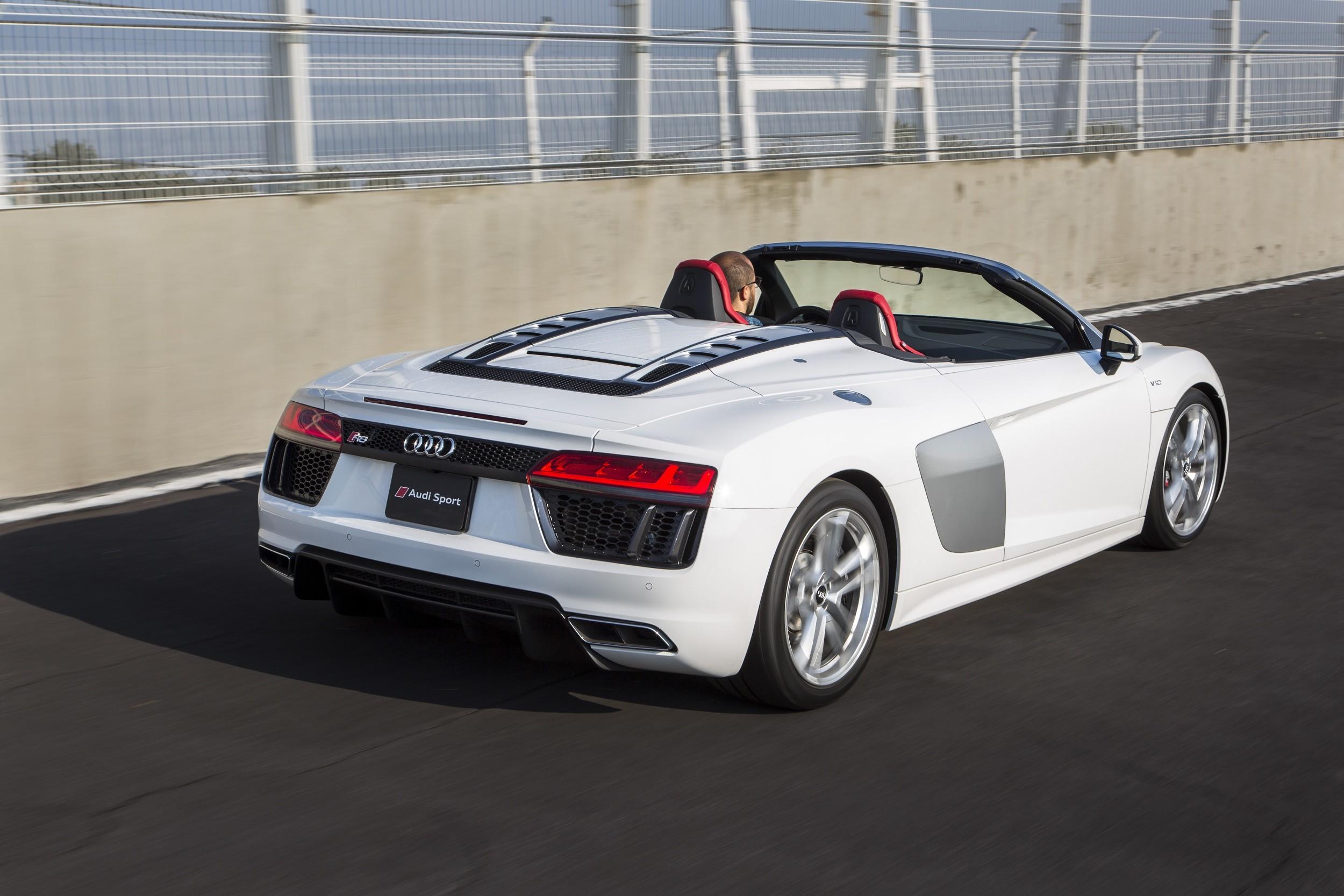 Foto de Audi R8 Spyder (16/38)