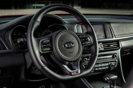 Kia Optima Wagon e Híbrido Enchufable, toma de contacto