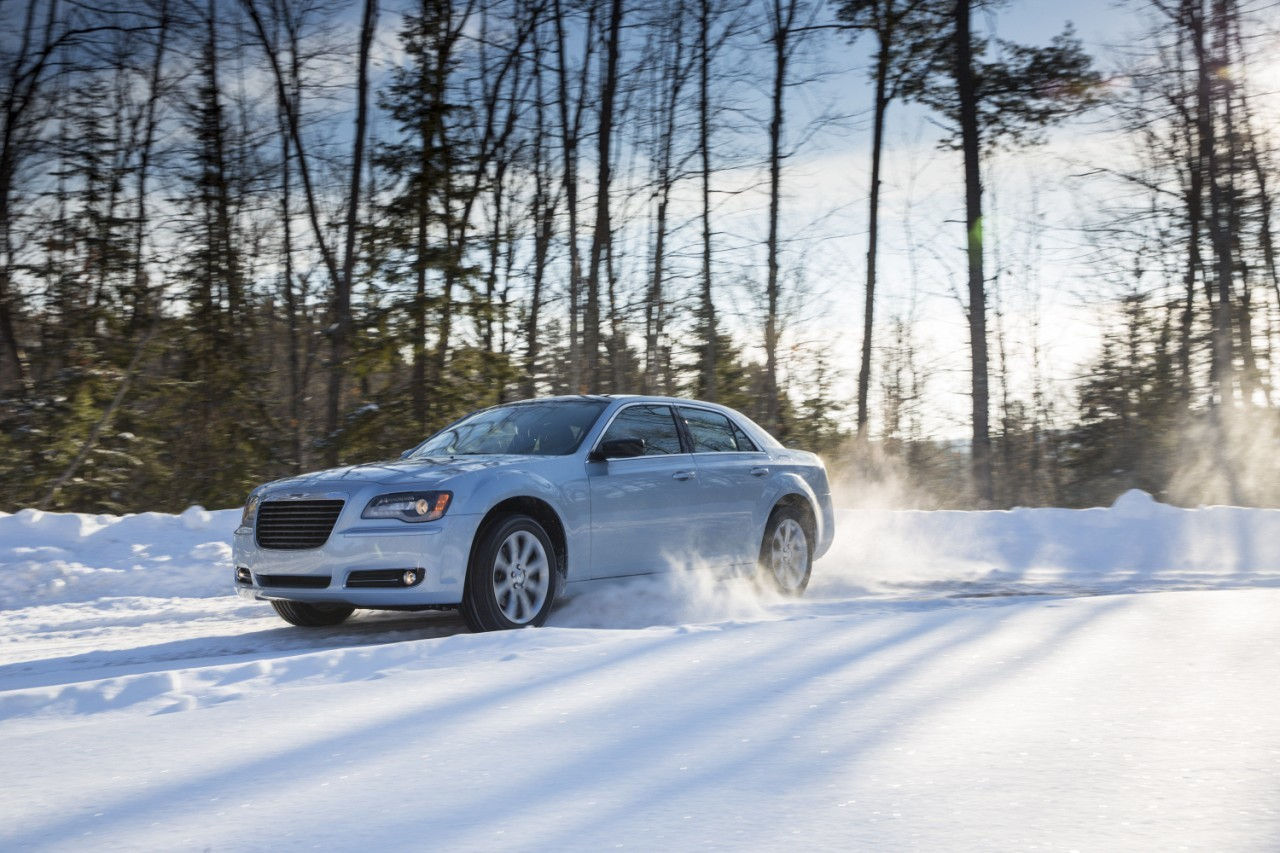 Foto de 2013 Chrysler 300 Glacier (13/27)