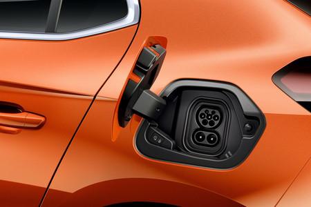 Opel Corsa-e toma carga
