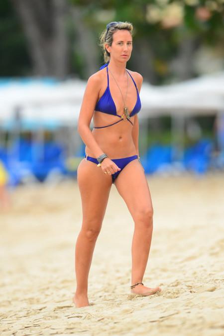 Lady Victoria famosas playa bikini