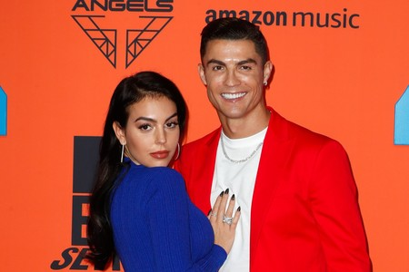 Cristiano Ronaldo y Georgina Rodríguez sorprenden en la alfombra roja de los MTV EMA 2019
