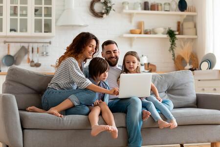 La compra de ordenadores se dispara en esta vuelta al cole: consejos de los expertos para elegir el mejor dispositivo para tu hijo