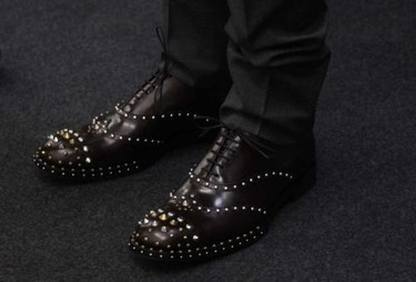 Zapatos con tachuelas de Prada para el invierno 2010