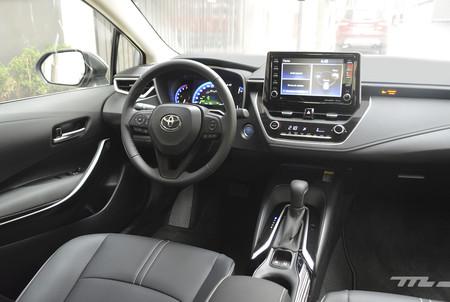 Toyota Corolla Hybrid 2020 15