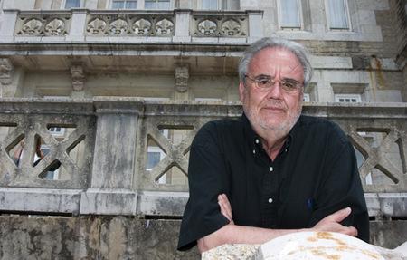 Gutiérrez Aragón gana el Premio Herralde de Novela