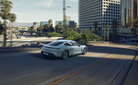 Porsche Taycan 4s 2020 02