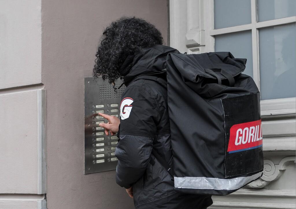 Gorillas, un gran rival europeo de Glovo, desembarca en España con entregas en 10 minutos y cumpliendo la Ley Rider