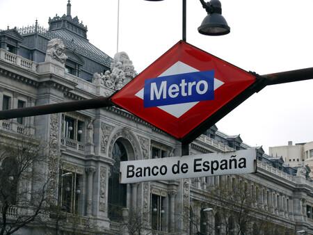 Estación de metro frente al Banco de España