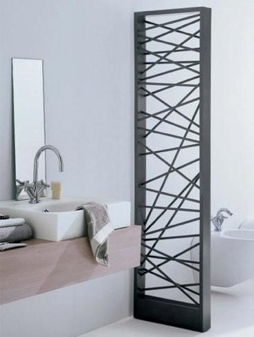 Shangai de Scirocco, un radiador que separa ambientes en baños grandes