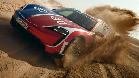 ¡Sublime! Lo mejor que verás este mes es el vídeo del Porsche Taycan Cross Turismo eléctrico, un dron y dos circuitos opuestos