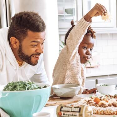 17 ideas de 30 a 90 euros para regalar el Día del Padre a los más cocinitas (con envío urgente para que no te pille el toro)