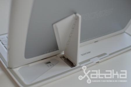 Soporte para poner el Archos 101 XS en modo portátil