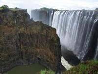Zimbabue quiere construir un parque temático en las Cataratas Victoria