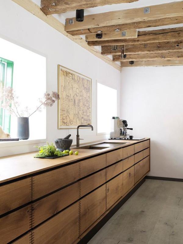 Oak Kitchen1