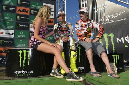 Antonio Cairoli en MX1 y Jeffrey Herlings en MX2: campeones del mundo de motocross 2012