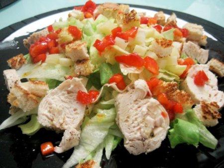 Un ejemplo de cena saludable: ensalada de pollo