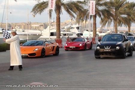 Carrera de superdeportivos contra Nissan Juke-R