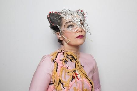 Björk experimenta con música y Blockchain: ofrecerá recompensas en criptomonedas a sus fans