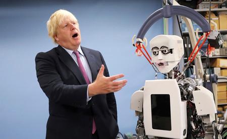 Incapaz de ponerse de acuerdo sobre el Brexit, el gobierno británico está saltando por los aires