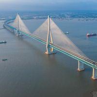 Así es el espectacular puente colgante Sutong, con un tramo de 1 km que pende de cables y donde conviven coches y trenes