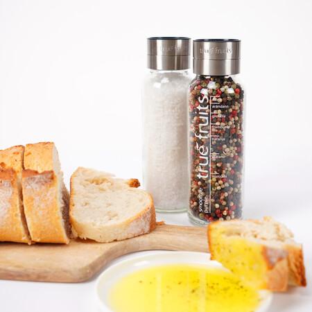 Tendencia upcycling en decoración: de botella de smoothie a dispensador de hidrogel (y más cosas)
