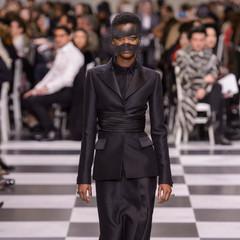Foto 21 de 74 de la galería dior-alta-costura-maria-grazia-chiuri-y-su-magico-desfile-en-blanco-y-negro-primavera-verano-2018 en Trendencias