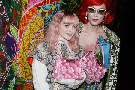 Los cuatro looks de Maisie Williams que la convierten en una estrella del street style parisino
