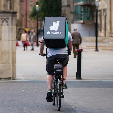 """Deliveroo se marcha de España por la entrada en vigor de la """"Ley Rider"""""""