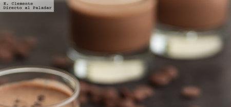 Batido helado de chocolate y café. Comienza a celebrar el Día Internacional del Chocolate