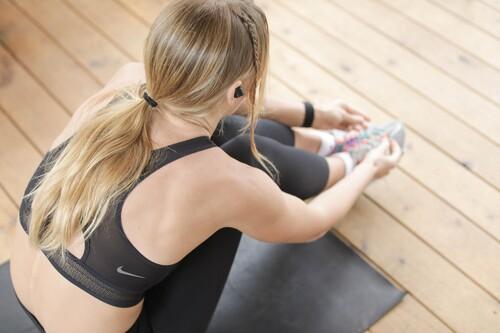Cinco looks completos para entrenar y practicar running aprovechando el 20% de descuento en la web de Nike