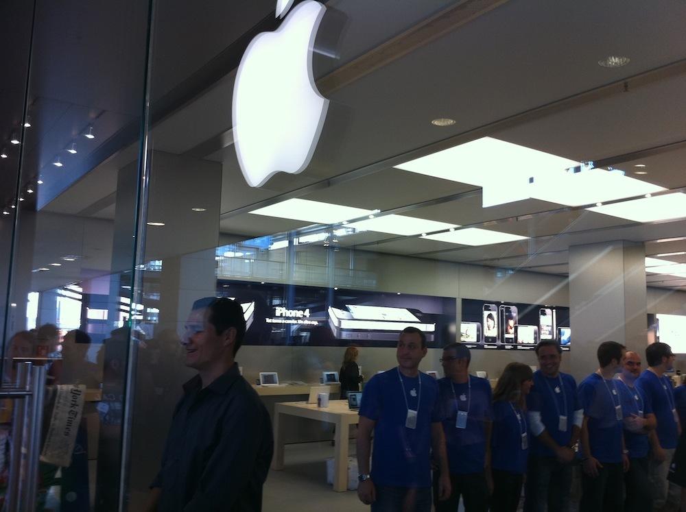 Foto de Inauguración Apple Store La Maquinista (38/93)