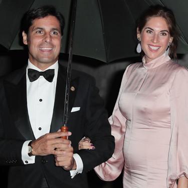 Así es el vestido de satén que ha elegido Lourdes Montes para la puesta de largo de Cayetana Rivera