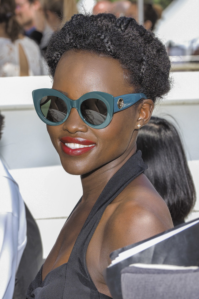 Festival de Cannes 2018: Lupita Nyong'o nos da una clase de cómo sacar partido a un cabello afro