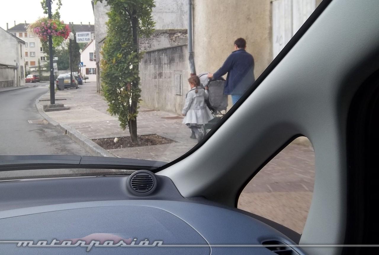 Foto de Peugeot i0n (presentación) (15/50)
