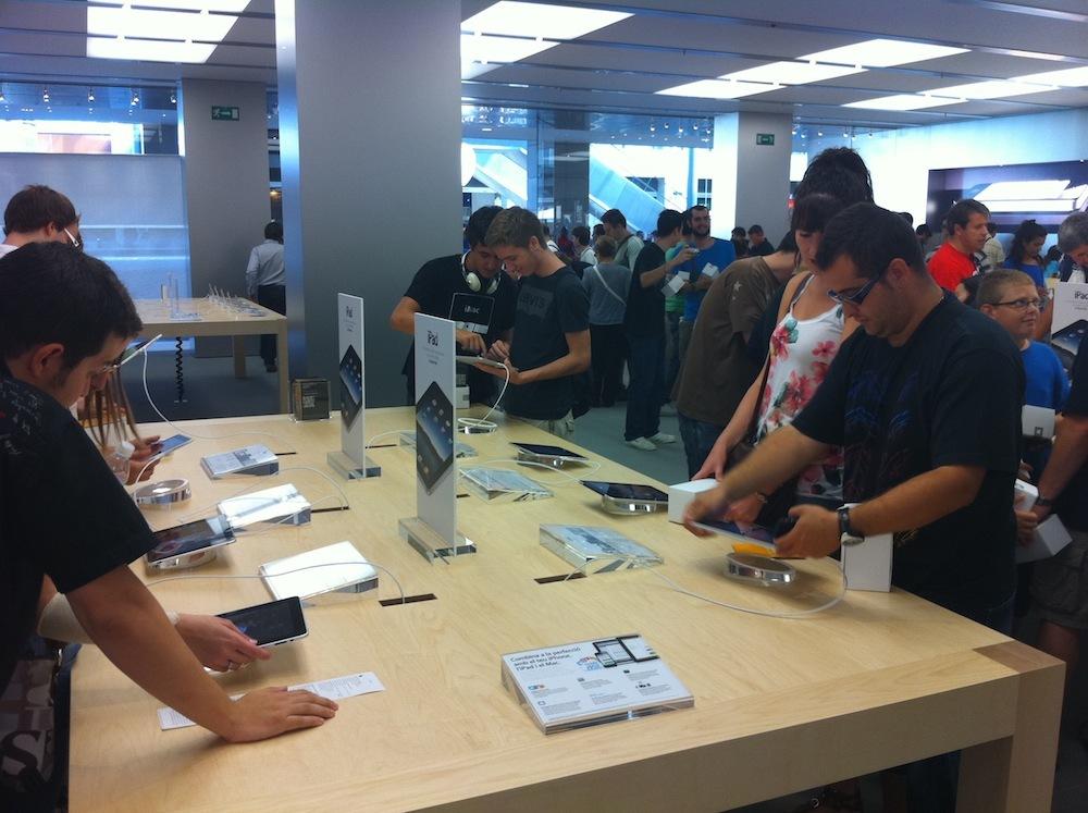 Foto de Inauguración Apple Store La Maquinista (69/93)