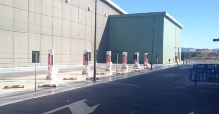 Ya está en funcionamiento el supercargador de Tesla en Murcia