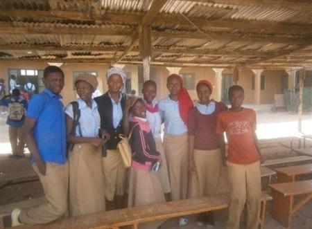 La Fundación Créate nos anima a ayudar a Nora a construir su colegio