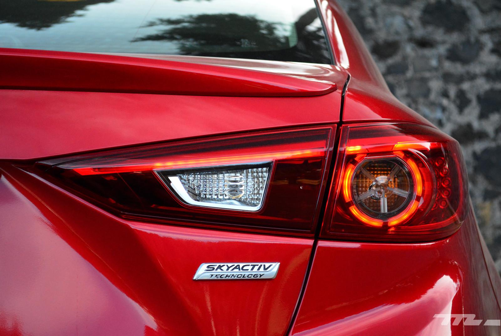 Foto de Comparativa: Mazda3 vs. Nissan Sentra vs. Toyota Corolla vs. Volkswagen Jetta (21/60)