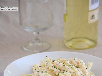 Receta de pasta corta con salsa de nata y queso