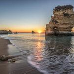 Las mejores playas de Portugal: desde las tranquilas en familia a las espectaculares para el surf